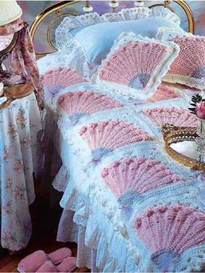 Lady's Fan Coverlet and Pillow